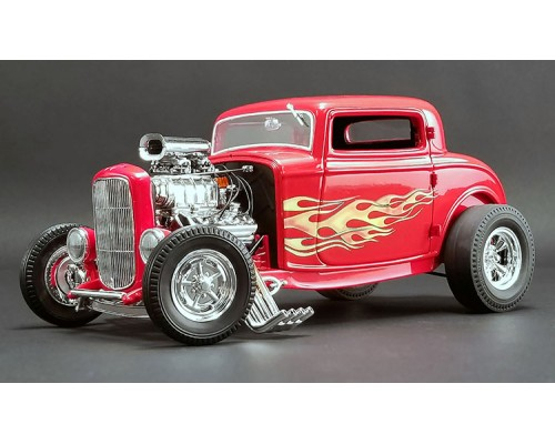 1:18 Scale 1932 Ford 3 Window Coupe - Flamethrower