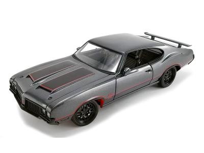 1:18 Scale 1970 Oldsmobile 442 W-30 Street Fighter - Granite Grey