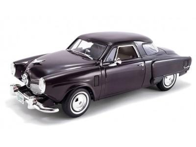 1:18 Scale 1951 Studebaker Champion in Rich Black Cherry