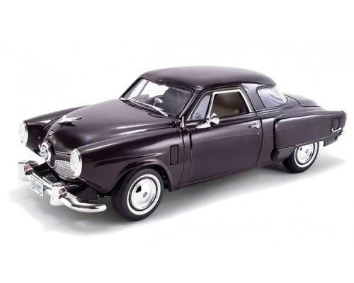 1:18 Scale 1951 Studebaker Champion in Rich Black Cherry