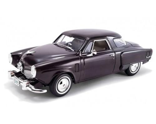 Acme 1:18 1951 Studebaker Champion in Rich Black Cherry