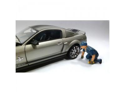 American Diorama 1:18 Model Tow Truck Driver Figurine - Scott