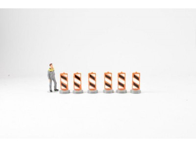 1:50 Scale Lane Dividers - Pack Of 6 - Orange and Black