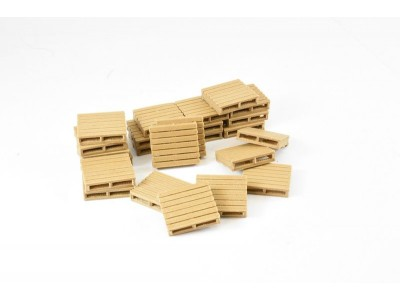 1:50 Scale Pallets - Large Wood Composite - Pack of 24
