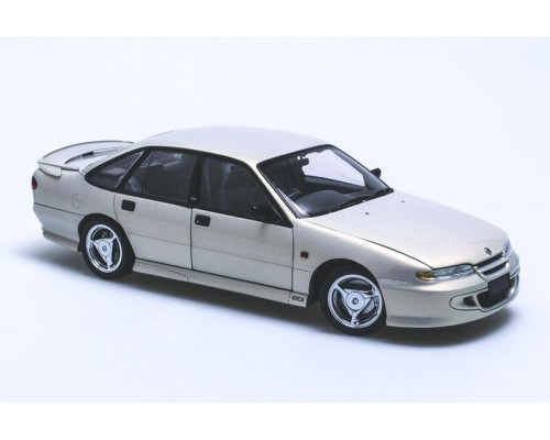 1:18 Scale Holden HSV VS Clubsport - Silver Mink