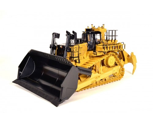 CCM Models 1:24 Caterpillar D11 Carry Dozer with Multi-Shank Ripper