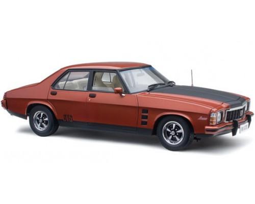 Classic Carlectables 1:18 Holden HX GTS Monaro - Persian Sand
