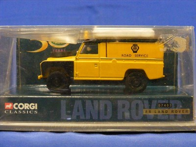 1:43 Scale Land Rover - AA Road Service
