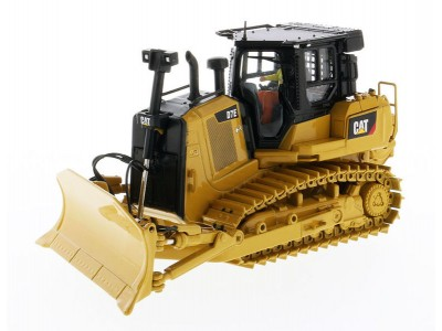 Diecast Masters 1:50  Caterpillar D7E Dozer with Rear Winch