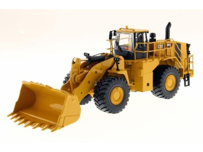 Diecast Masters 1:50 Caterpillar 988K Wheel Loader