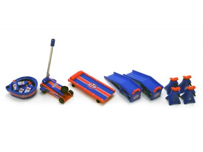 GMP 1:18 Garage Workshop Tool Set #2 - STP Racing