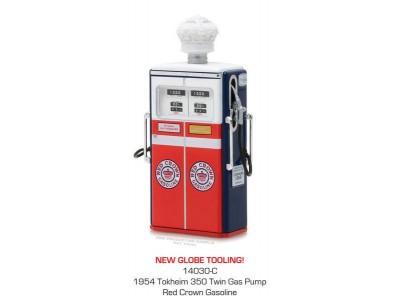 Greenlight 1:18 Vintage Petrol Bowser - Red Crown Gasoline