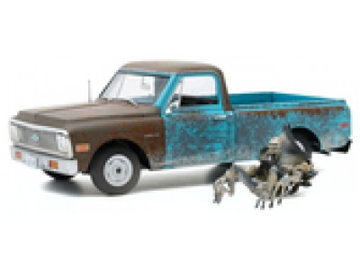 Highway 61 1:18 Independence Day 1971 Chevrolet C-10 with Alien Figure
