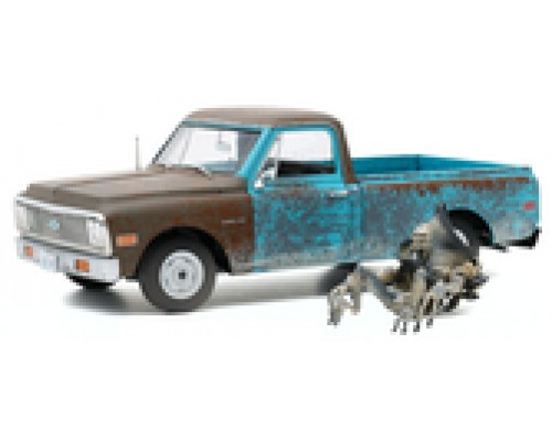 1:18 Scale Independence Day 1971 Chevrolet C-10 with Alien Figure