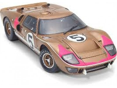 1:18 Scale 1966 Ford GT40 Mark II - Gold